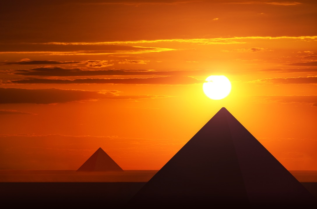Pyramids-at-sunset-Giza.jpg